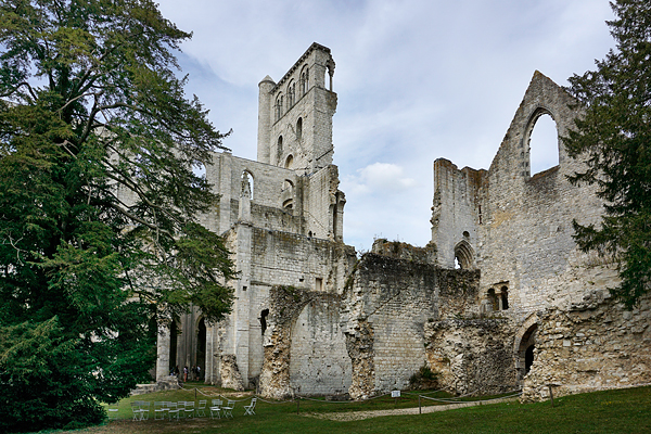 abbaye_jumieges_a_droite